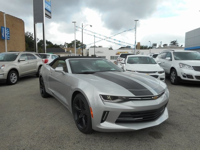 new 2017 chevrolet camaro 2lt 2d convertible in chicago. Black Bedroom Furniture Sets. Home Design Ideas